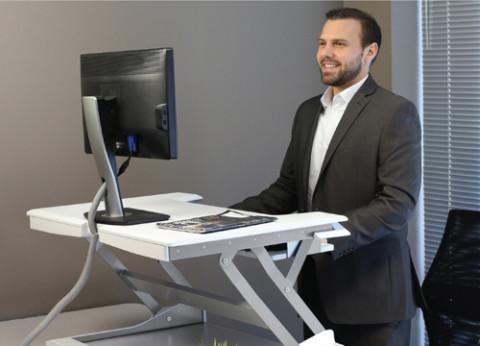מתקן שולחן מחשב מצב עמידה ישיבה WorkFit-T