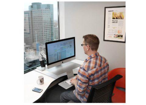 עמדת עבודה עמידה ישיבה מתכווננת למחשב אפל WorkFit-A