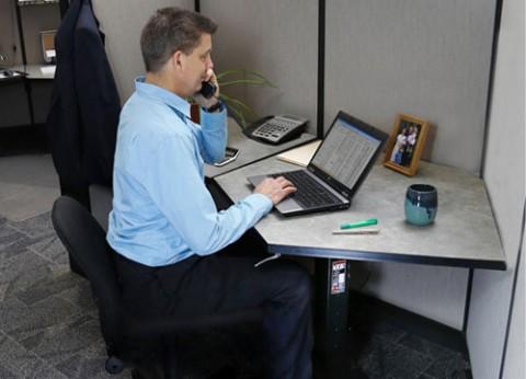 בסיס שולחן מחשב מתכוונן ארגומוני WorkFit-B LD